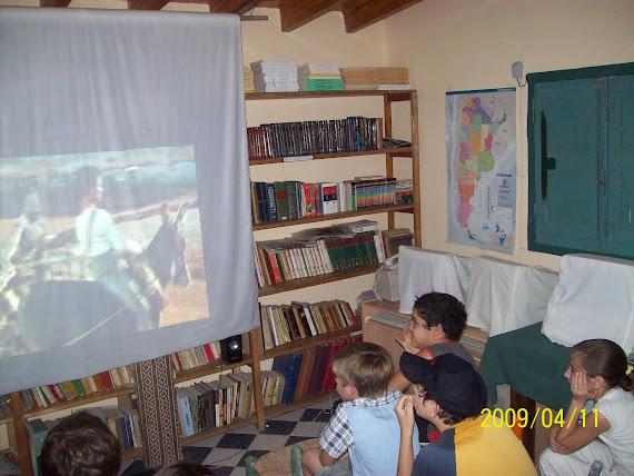 Actividades culturales : Proyecto de Cine Barrial en nuestra sede