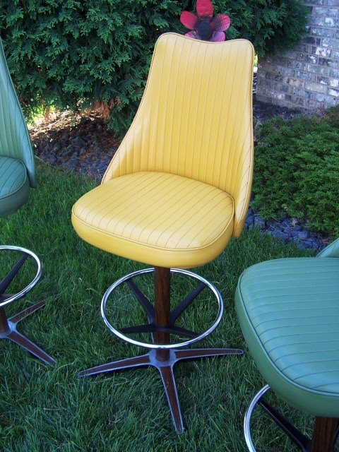 Sexy Vintage Finds Perfectly Vintage Chromcraft Bar Stools