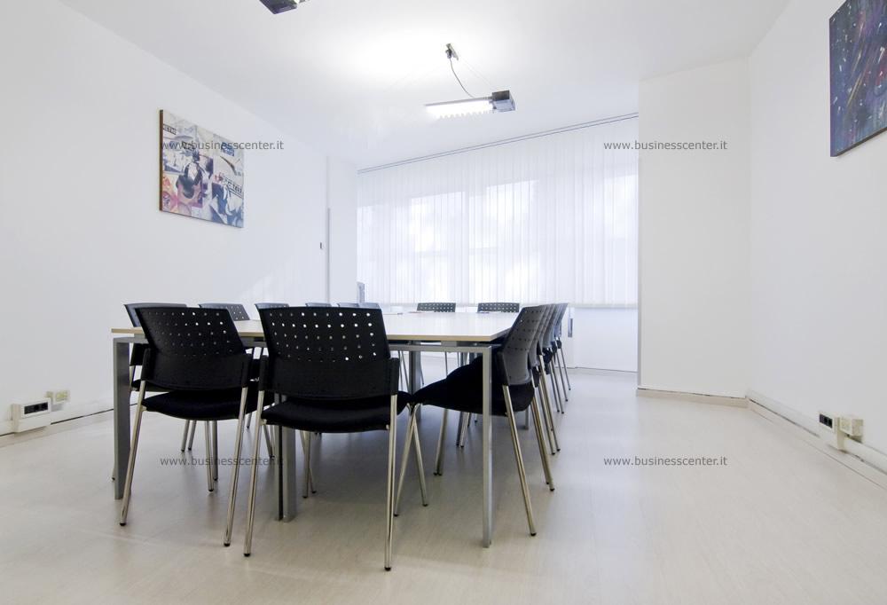 Uffici arredati uffici temporanei noleggia un ufficio al for Uffici temporanei roma prezzi