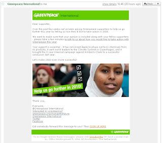 Las mujeres que destacaré hoy, pues, son ellas dos: la activista pelirroja y la activista con hijab. Gracias a Greenpeace.org por hacer lo que aquí no se ha atrevido a hacer nadie.