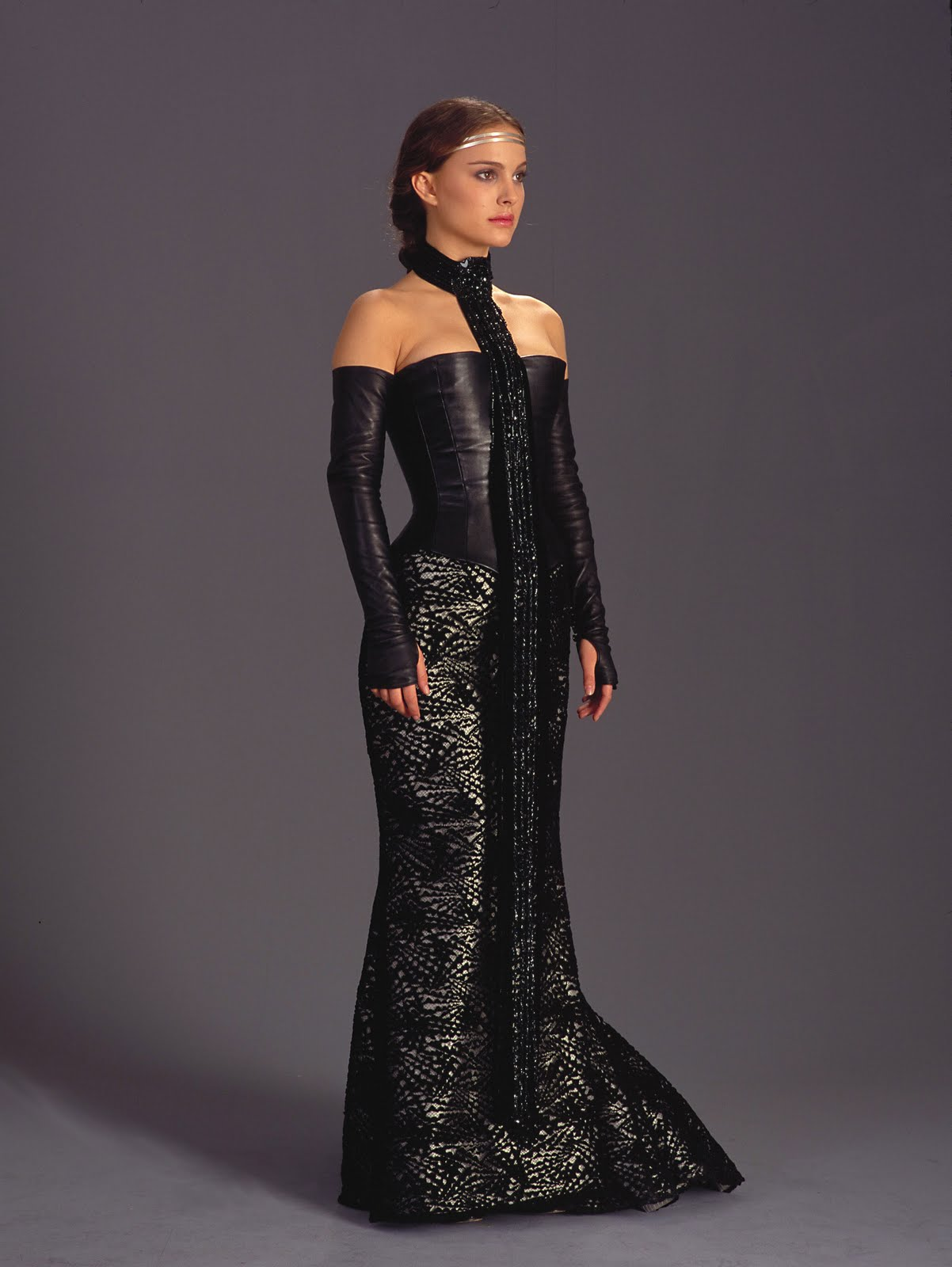 geek with curves: Costume: Padme\'s Black Corset Gown