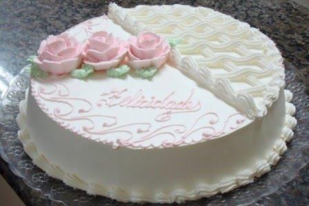 Bolo de Morango com Chantilly para Aniversário - YouTube