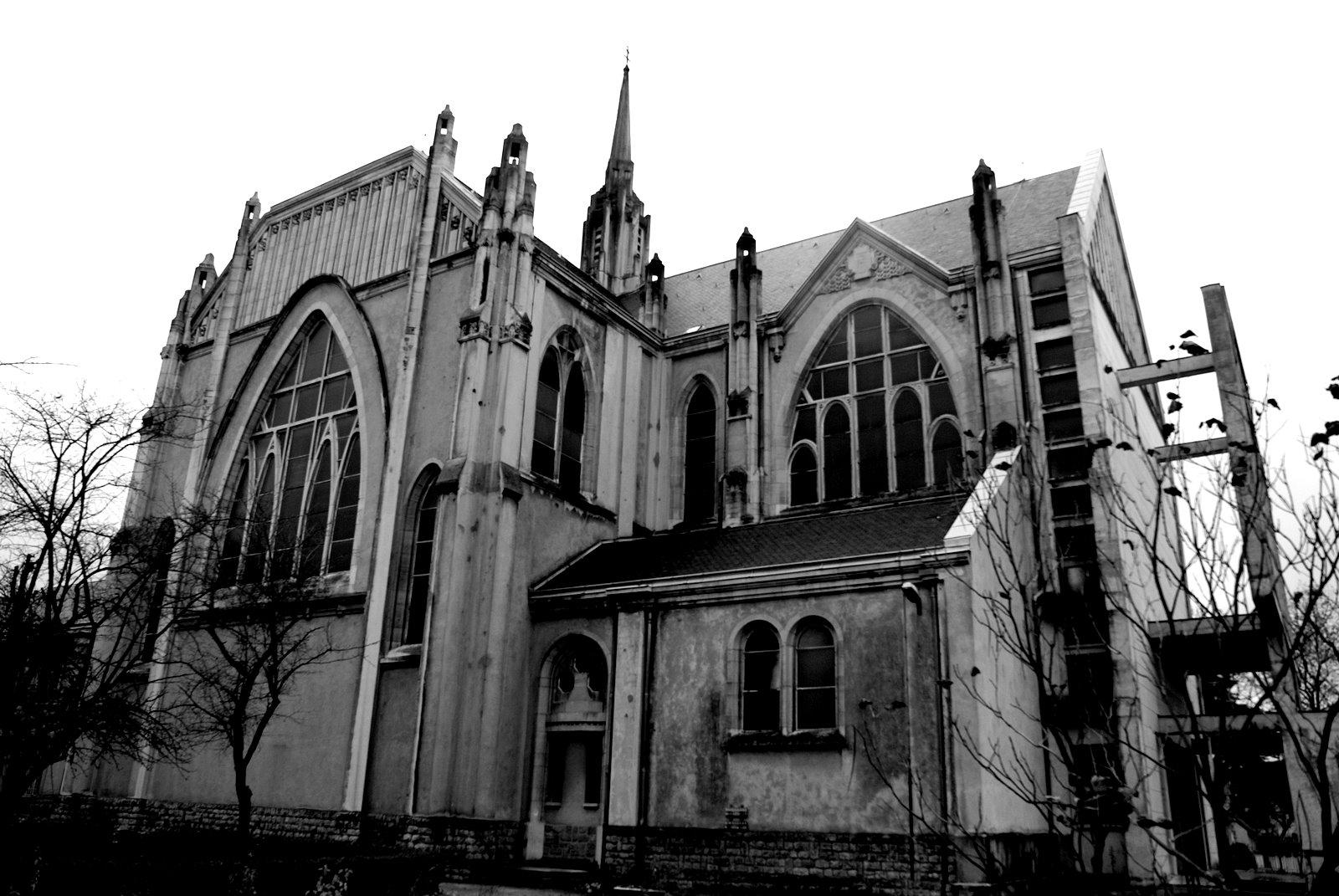Autour de l glise sainte th r se un dimanche en lorraine - Eglise sainte therese guilherand granges ...