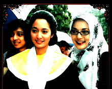 The Women of School of Communications (Ibu Icha, Aku, dan Kiki adikku)