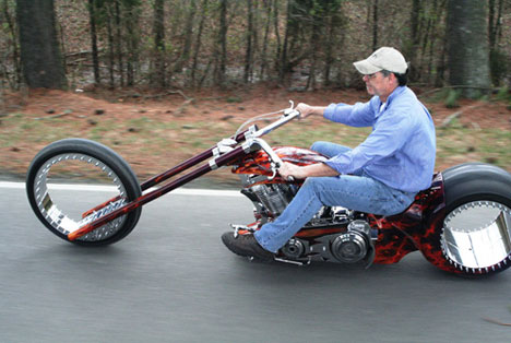 Hubless Monster Motorcycle Says Amen To Zero Spoke Design ...