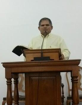 Pastor   Hélio