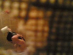 Foto Ngintip Perempuan Mandi Tanpa Sensor