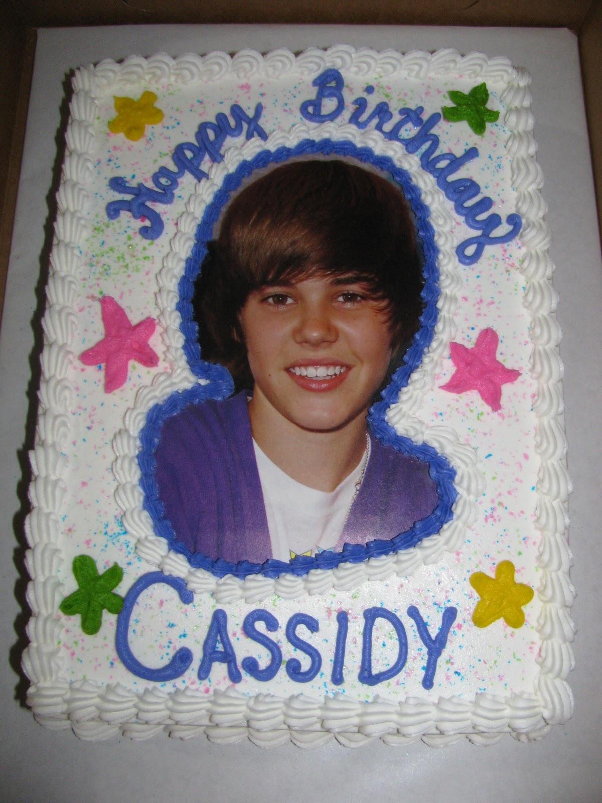 http://1.bp.blogspot.com/_gOC7cNxwXj0/TLngUIR2YUI/AAAAAAAAAU0/h6aRjfWapbg/s1600/Kids+and+Bieber+cake+031.JPG