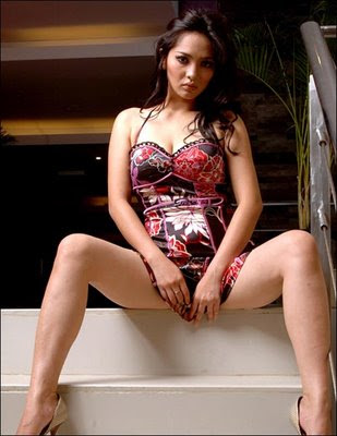 BEAUTIFUL INDONESIA HOT MODELS: Dwi Putrantiwi