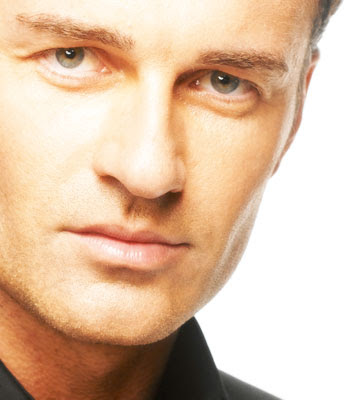 Una Historia Diferente (Fanfiction sobre Rob) (+18) - Página 9 Julian_McMahon_Biography