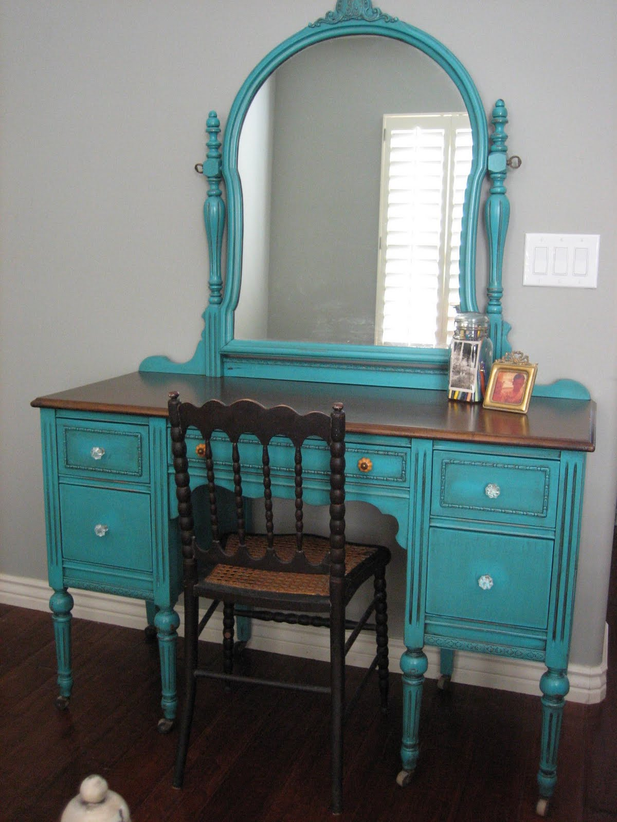 Turquoise Teal   Cream Bedroom Set. European Paint Finishes    Turquoise Teal   Cream Bedroom Set