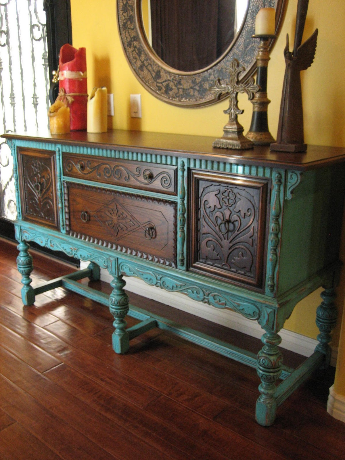 European paint finishes old world european sideboard for Painted buffet sideboard