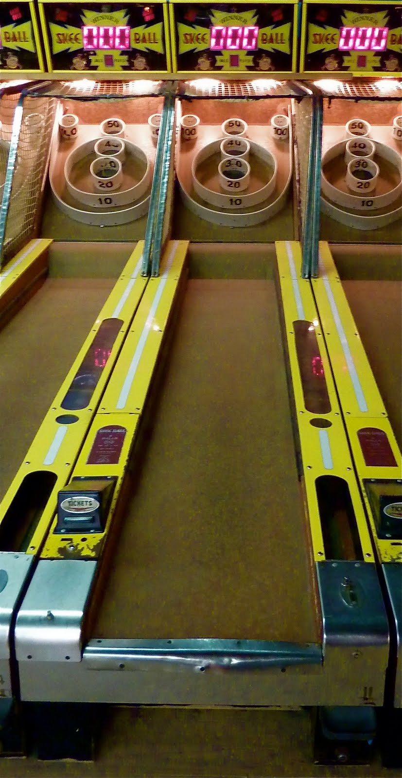 play skee ball on facebook