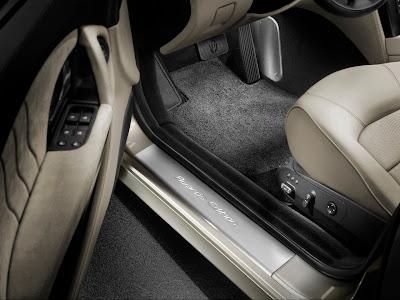 2011 Maserati Quattroporte Sport GT S Awards Edition - Door Sill