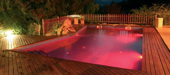 Decorando tu espacio iluminaci n de piscinas con sistema - Iluminacion patios exteriores ...