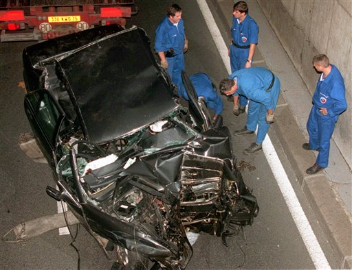 pictures of princess diana car crash. princess diana car crash chi.