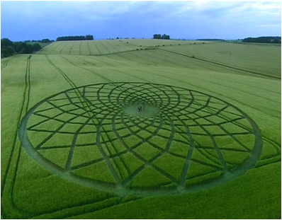 Kia Seen OnCool crop 'art' circles from around the world www.coolpicturegallery.us