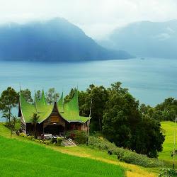 keindahan danau di sumatera barat