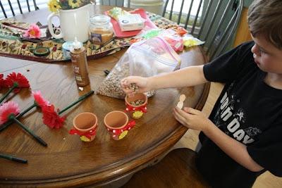 Crafty Kitchen ~ Flower Pot Pens for Mother's Day & Teacher Appreciation