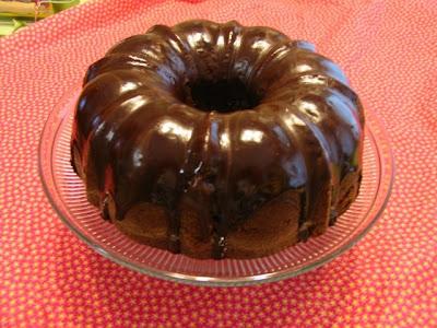 ... & Family Friendly Recipes: Chocolate Pound Cake With Fudge Glaze