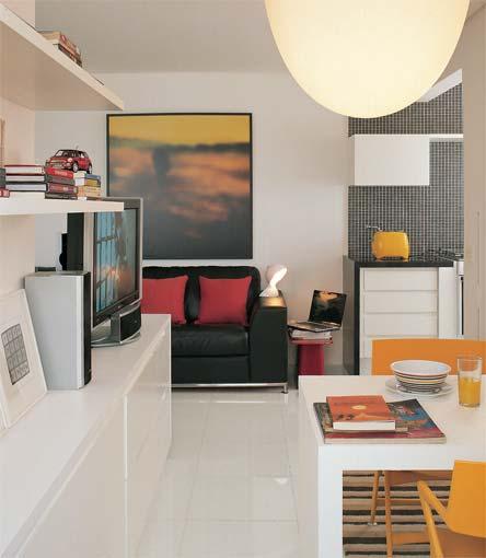 decoracao de apartamentos pequenos para homens:Sala de jantar integrada a de estar.