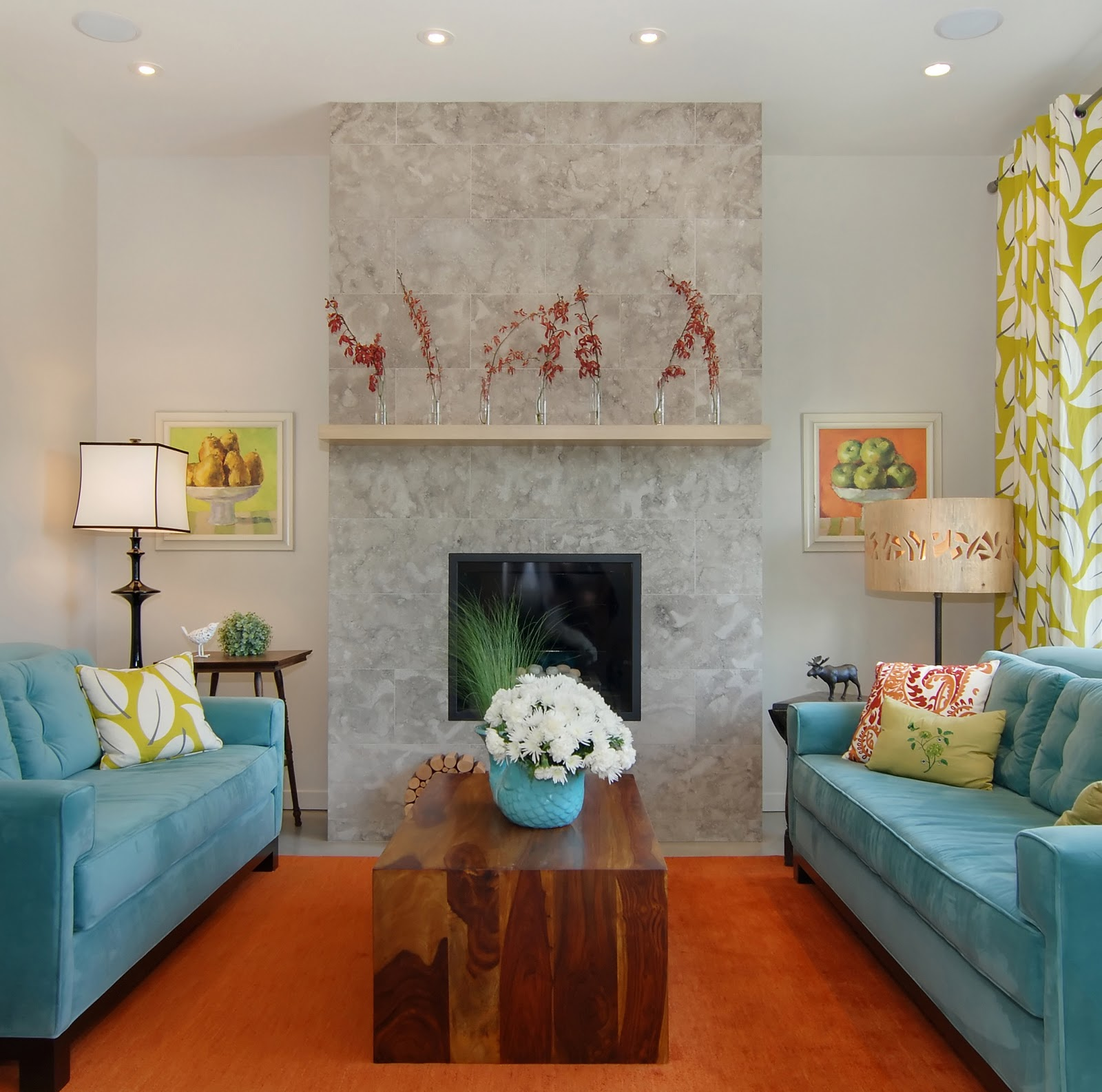 Contemporary living room with eclectic decor and colour – Central  title=