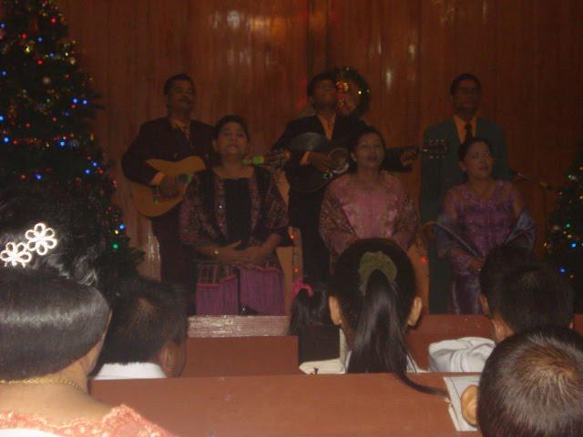 Vocal Grub Guru SMP Negeri 1 Sibolga Pada Perayaan Natal