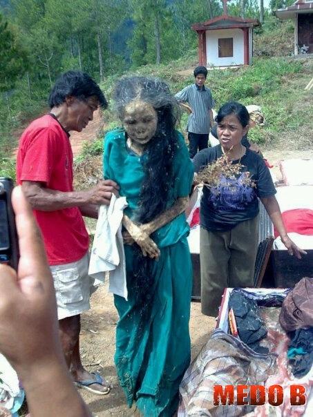Mortos Zumbis Na Indon  Sia
