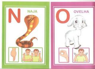 no 6 modelos de alfabeto em Libras: 1 é só copiar e 5 para DOWLOAD. para crianças