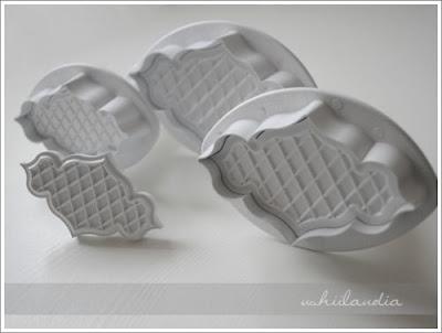 foremki do ciastek - z wypychaczem odciskające wzór