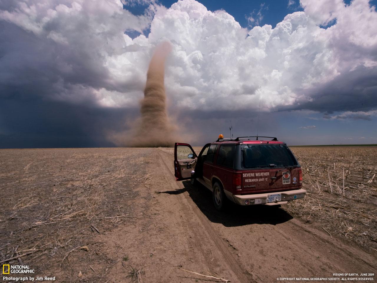 http://1.bp.blogspot.com/_gfXupHOEhH0/SwmsnhQb3_I/AAAAAAAAMrc/FpUfb4JildQ/s1600/national-geographic-wallpaper-9.jpg
