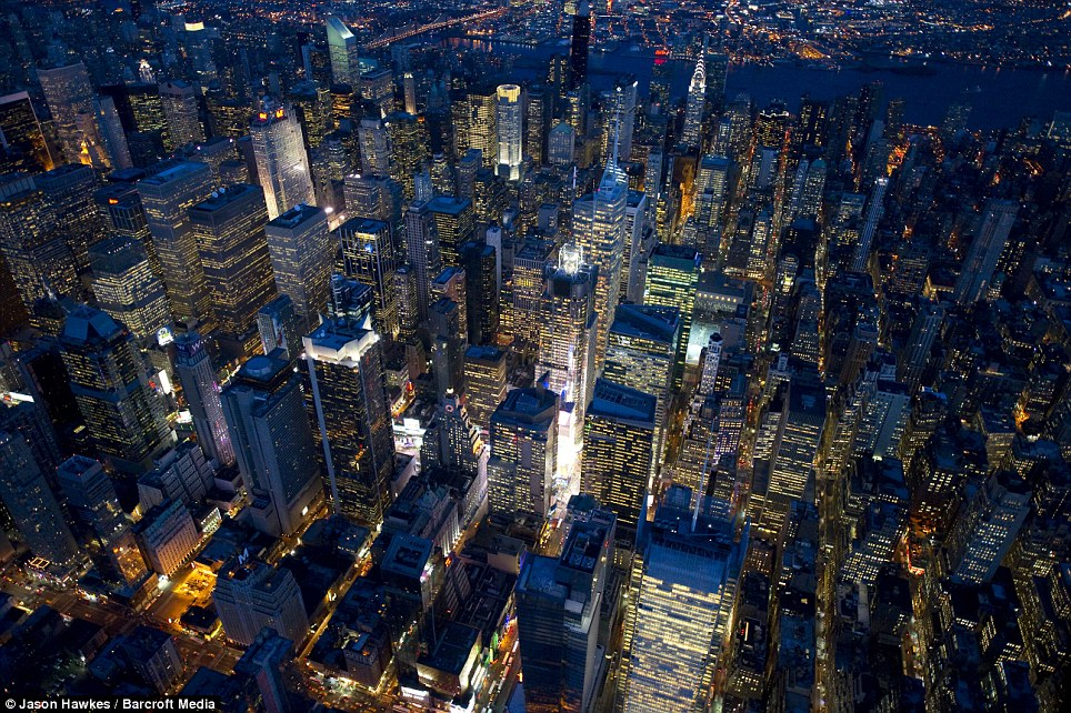 Cool pictures from above of new york at night cool for Best places to go in nyc at night