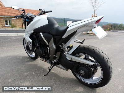 Honda CB1000R White Tribal Street Fighter 5