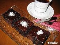 1.Kakaolu Islak Kek