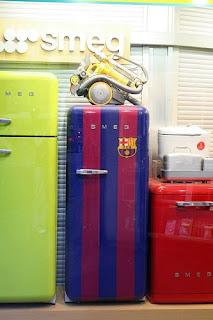 Existem muitos tipos de frigoríficos disponíveis: Frigo-Bar, Frigoríficos na vertical, frigoríficos simples de uma porta, Frigoríficos de duas portas, Combinados, Arcas Congeladoras, Frigoríficos Portáteis, etc