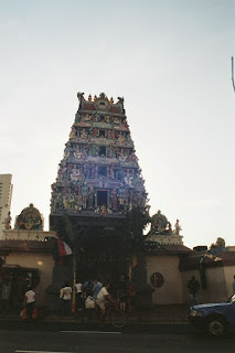 Sri Mariamman Temple, Singapore : The gopuram