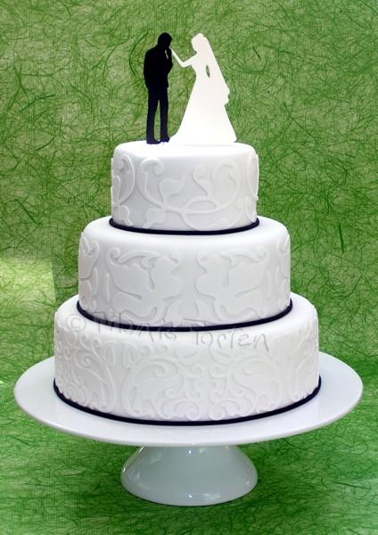 ... Tipps für Motivtorten: Schwarz-weisse Hochzeitstorte mit Brautpaar