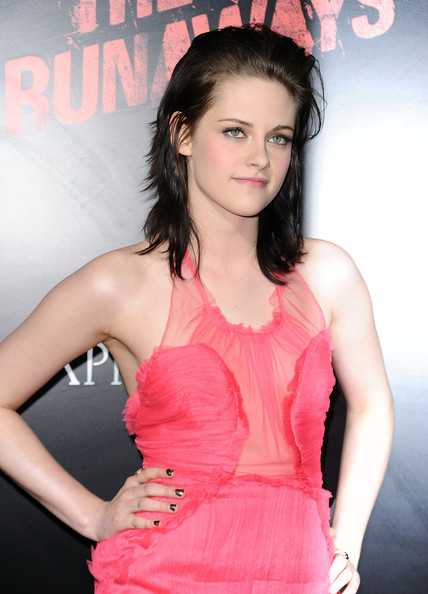 kristen stewart bella hair. Kristen Stewart Hair Different