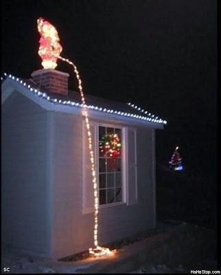 Santa roof lights peeing