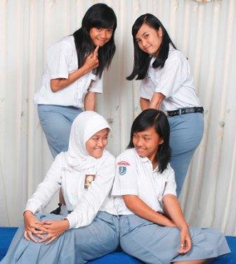 Rizka dan teman (1)