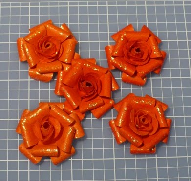 glitter pics of roses. glitter on the roses.
