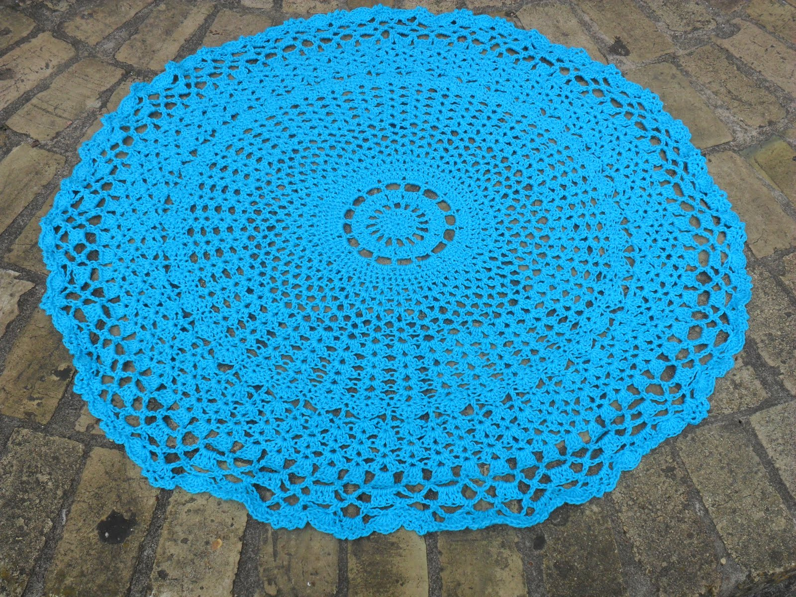 Knitting Pattern For Round Baby Shawl : Valis Crochet Moment: New Pattern for Valis Circular Crochet Shawl