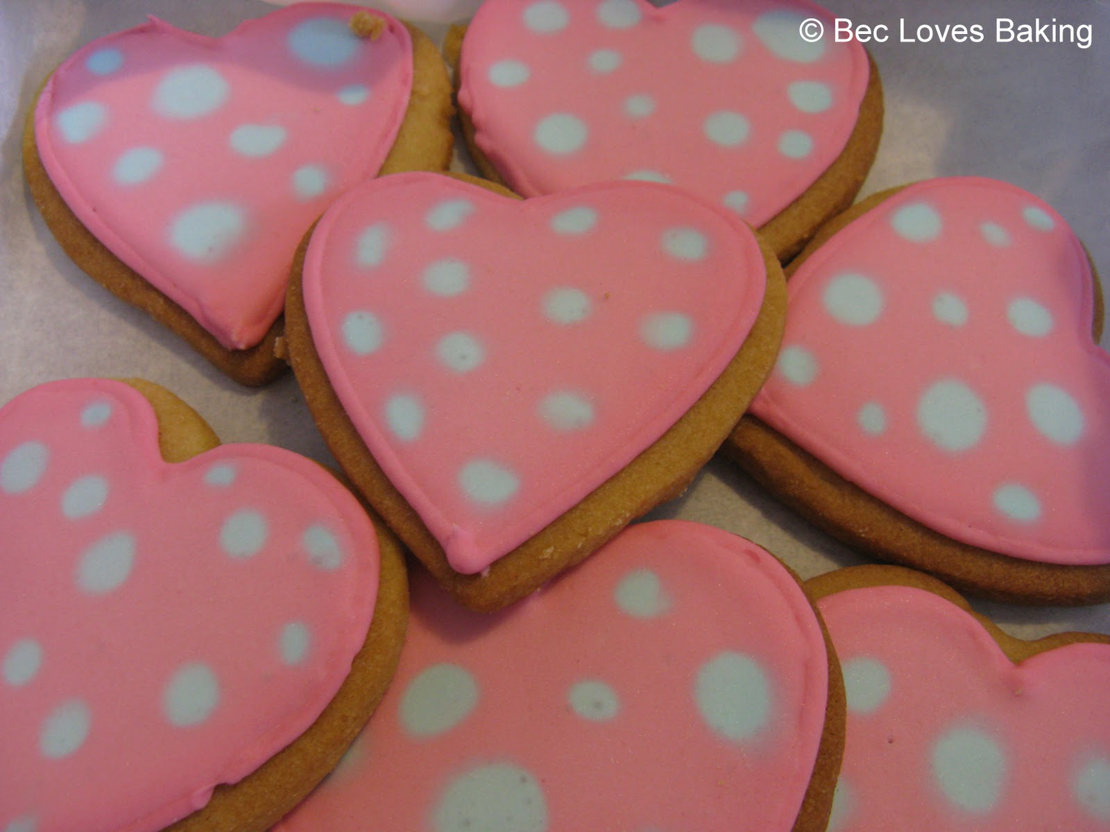 Bec Loves Baking: Vanilla Sugar Cookies with Royal Icing