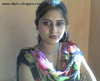 hot pakistani girl cleavage show