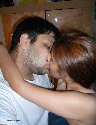 [pakistan+girls+kiss+++indian+girls+kiss+++indian+girls+++pakistam+girls+(9).jpg]