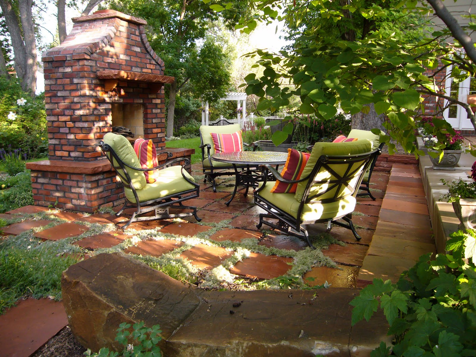 Small patio ideas for apartments apartment design ideas for Outdoor patio fireplace ideas