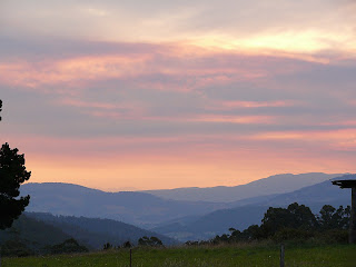 FT's sunset frames the Western Arthurs, from Vinces Saddle - 22 Mar 2007