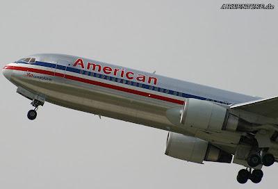 http://1.bp.blogspot.com/_gppxFhXOKOU/TJ6B__WdT5I/AAAAAAAAb_8/HMNP4i3ET-E/s1600/AmericanAirlines_005.jpg