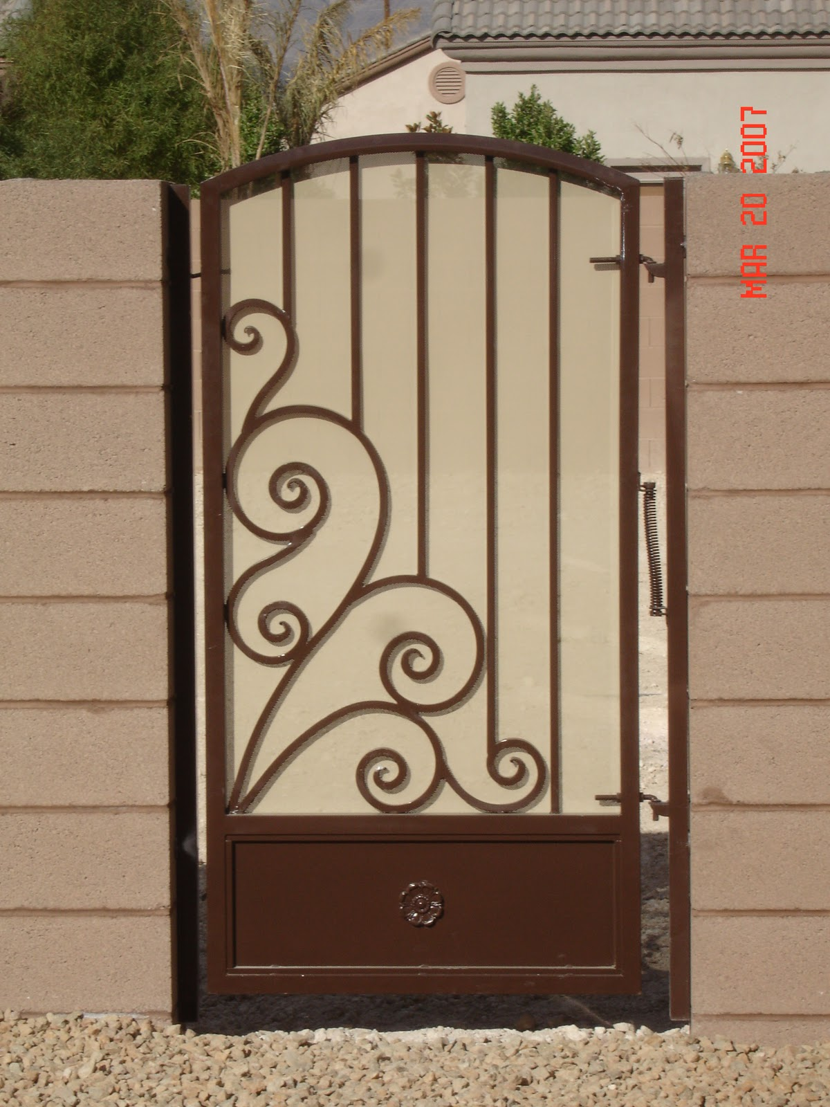 Herreria art stica hern ndez dale click en entradas for Puertas de herreria para casa