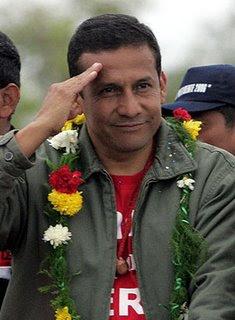 Ollanta Humala saludando a su estilo